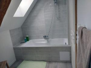 Salle d'eau : baignoire